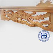 mặt cạnh của bàn thờ treo tường